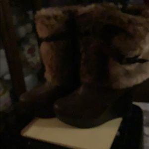 Fur boots size 81/2, never worn , new